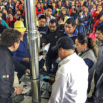 Families Veracruz learn how to use the Envirofit Ecofogón